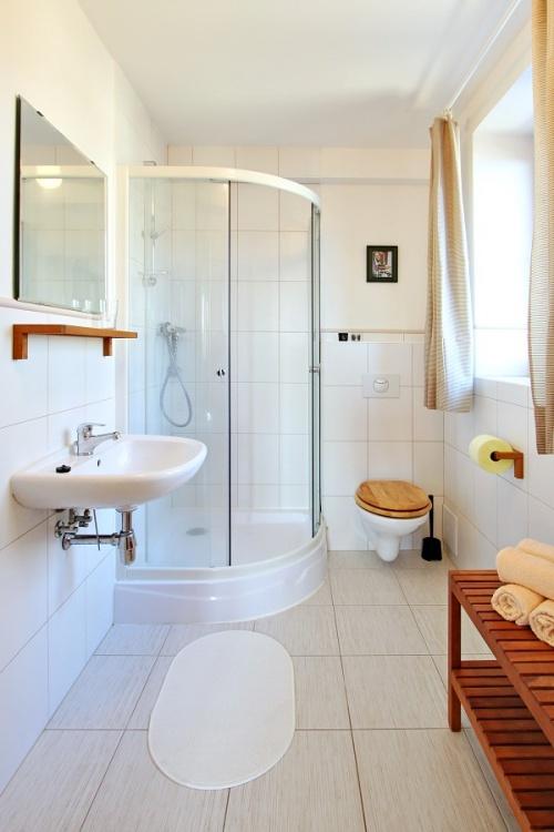 zimmer nr 4 1 stock pension hradec unterkunft janske lazne. Black Bedroom Furniture Sets. Home Design Ideas